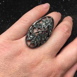Jewelry - Black elastic crystal ring
